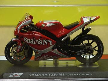 Picture of Ruben Xaus Yamaha YZR M1 2005 1:24