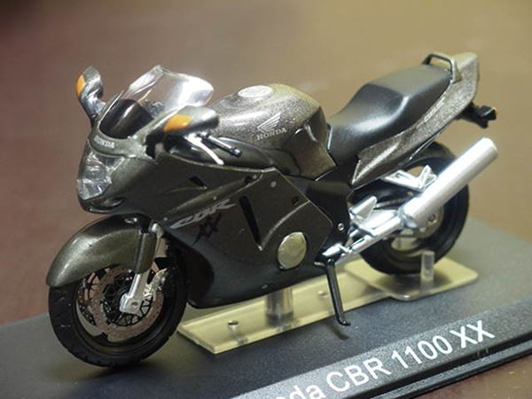 Honda Cbr1100xx Blackbird 124
