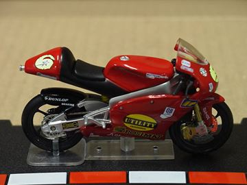 Picture of Mirko Giansanti Aprilia RSW125 2004 1:24