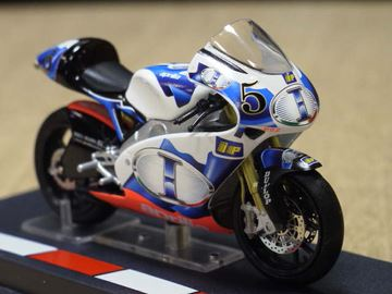 Picture of Alex De Angelis Aprilia RSW250 2005 1:24