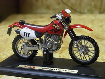 Picture of Honda XR400R 1:18 maisto