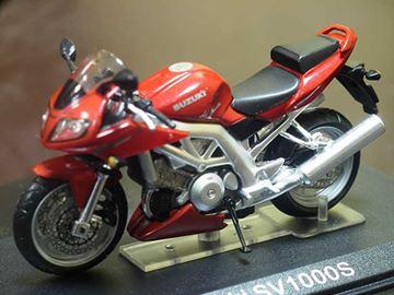 Afbeelding van Suzuki SV1000S 1:24