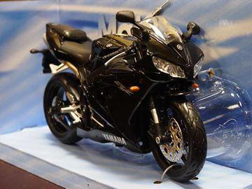 Afbeelding van Yamaha YZF R-1 1:12 blk