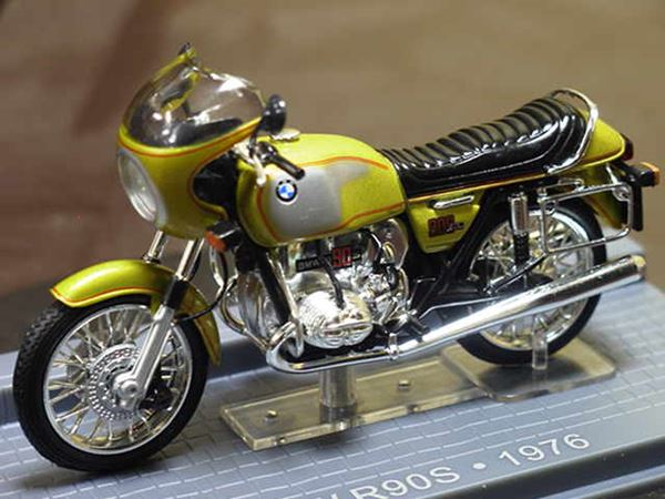 Picture of BMW R90S 1:24