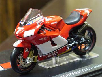 Picture of Carlos Checa Ducati Desmosedici 2005 1:24