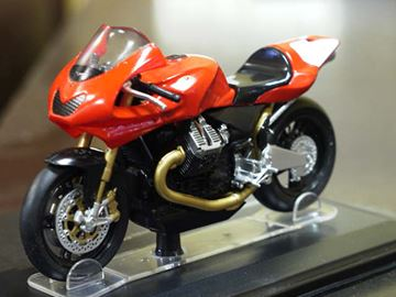 Picture of Moto Guzzi MGS-01 Corsa 1:24