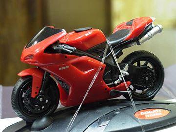 Afbeelding van Ducati 1198 1:24