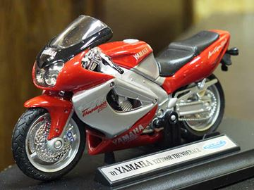 Picture of Yamaha YZF1000R Thunderace 1:18 welly