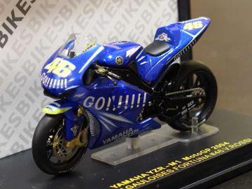 Afbeelding van Valentino Rossi Yamaha YZR M1 2004 1:24 IXO