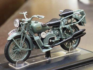 Picture of Moto Guzzi Alce Biposto 1:24