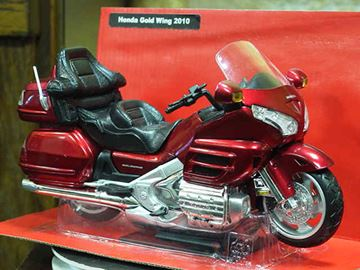 Picture of Honda GL1800 Goldwing red 1:12 57253