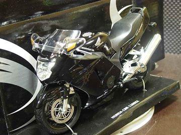 Afbeelding van Honda CBR1100XX Blackbird black 1:12 600102