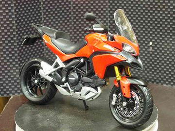Picture of Ducati Multistrada 1200S red 1:12 31188