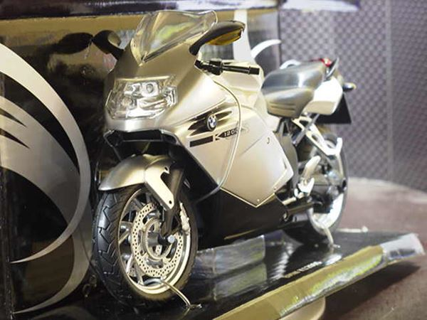 Picture of BMW K1200S 1:12 grey 600303