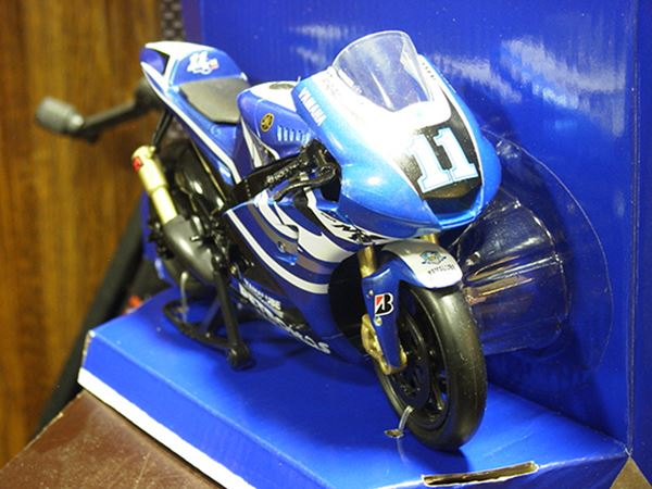 Picture of Ben Spies Yamaha YZR- M1 2011 1:12 57423