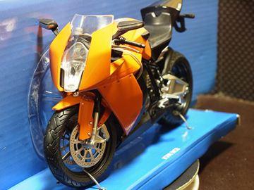 Afbeelding van KTM RC8 1:12 orange 600601