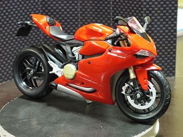 Picture of Ducati 1199 Panigale 1:12 31101