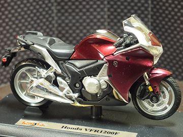 Afbeelding van Honda VFR1200 1:18 Maisto