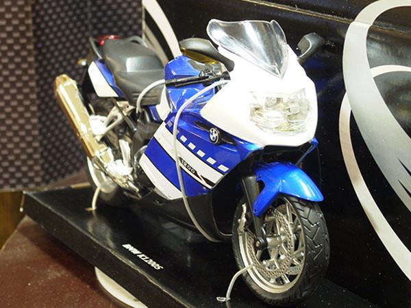 Picture of BMW K1200S 1:12 blue/wht 600301