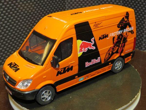 Picture of KTM Red Bull racing van 1:38
