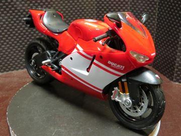Picture of Ducati Desmosedici RR 1:12 red/white