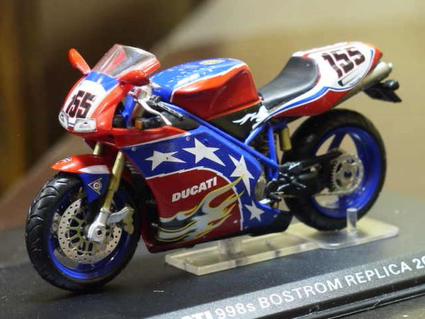 Picture of Ben Bostrom Ducati 998s 2002 1:24