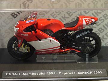 Afbeelding van Loris Capirossi Ducati desmosedici 2003 1:24 IXO