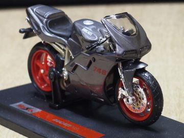 Afbeelding van Ducati 748 grey 1:18 Maisto