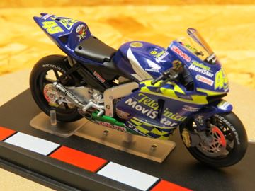 Picture of Colin Edwards Honda RC211V 2004 1:24