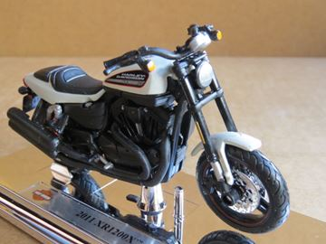 Picture of Harley Davidson XR1200X 2011 1:18 (001)