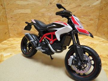 Picture of Ducati Hypermotard SP 2013 1:12 31101