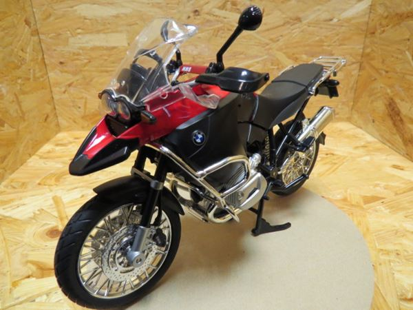 Picture of BMW R1200GS red 1:9 00200