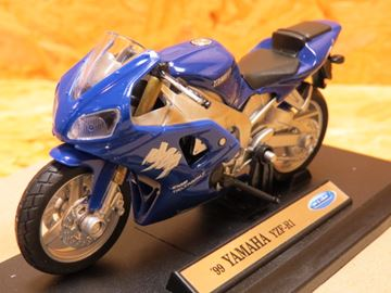 Picture of Yamaha YZF R-1 1:18 1999