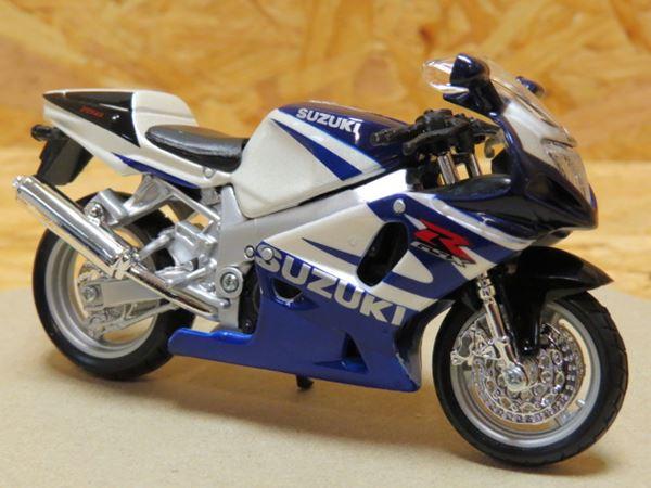 Picture of Suzuki GSX-R750 1:18 bburago bl/wt