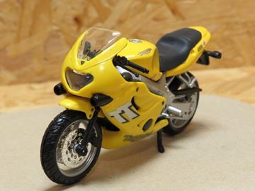 Picture of Triumph TT600 gl. Bburago 1:18