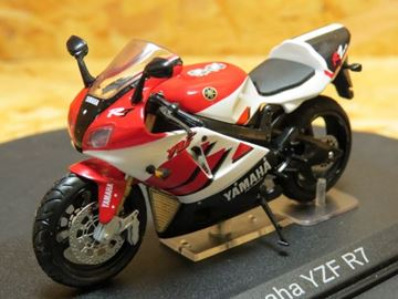 Picture of Yamaha YZF R7 1:24