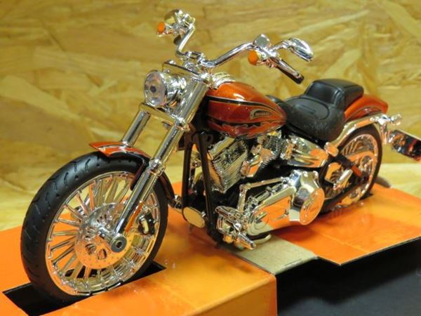 Picture of Harley Davidson FXSBSE CVO Breakout 2014 1:12 32327
