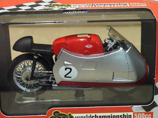 Picture of Geff Duke Gilera 4 cyl. 500cc. 1955 1:22