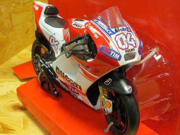 Picture of Andrea Dovizioso Ducati Desmosedici 2015 1:12 57723