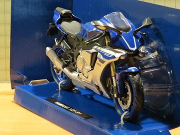 Picture of Yamaha YZF R-1 1:12 blue 57803