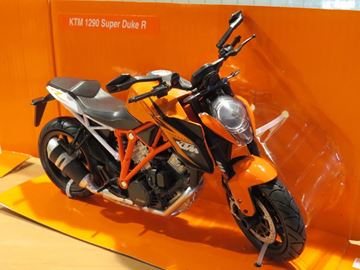 Afbeelding van KTM 1290 Super Duke R 1:12 57653