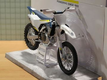 Picture of Husqvarna FC 450 2016 1:12 3HS1770900