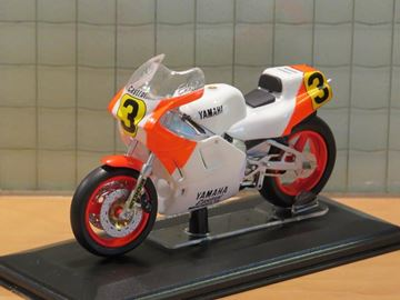 Picture of Eddy Lawson Yamaha YZR500 1988 1:22