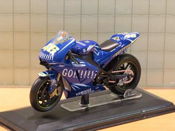 Picture of Valentino Rossi Yamaha YZR M1 2004 1:22