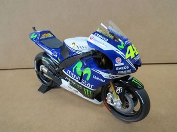 Afbeelding van Valentino Rossi Yamaha YZR-M1 2014 1:12 122143046