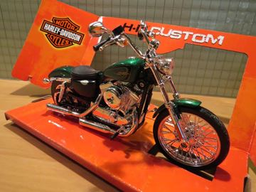 Picture of Harley Davidson XL1200V Seventy Two 2013 1:12 32335