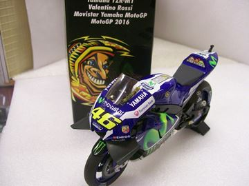 Picture of Valentino Rossi Yamaha YZR-M1 2016 1:12 122163046