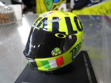 Picture of Valentino Rossi AGV helmet 2016 Mugello 1:5