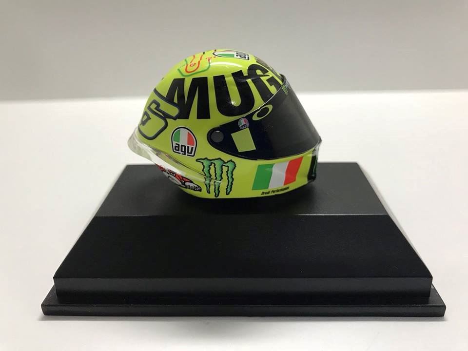 valentino rossi agv helm motogp mugello 2016 1 8 398160086. Black Bedroom Furniture Sets. Home Design Ideas