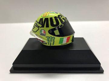 Picture of Valentino Rossi  AGV helm MotoGP Mugello 2016 1:8 398160086